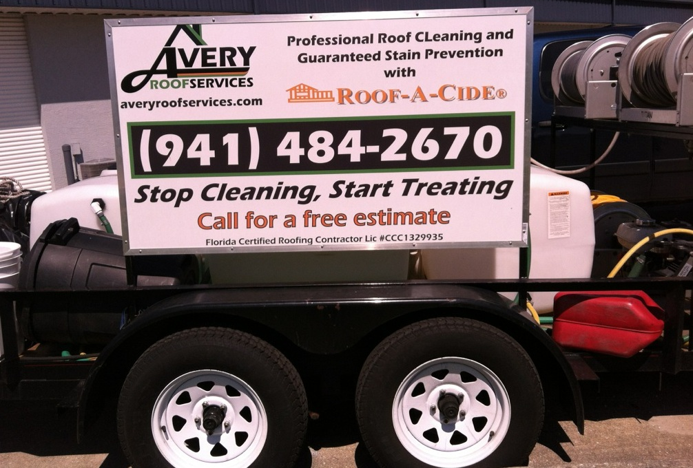 Avery Roof Services RAC trailer with signage